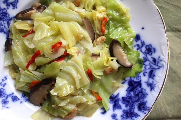 021014-taiwan-eats-braised-cabbage-finished-thumb-625xauto-383135